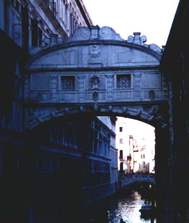 12 - Ponte dei Sospiri